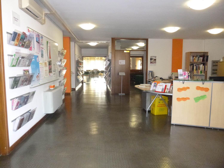 Sala consultazione e prestito